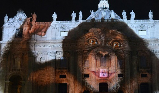 Vatican-occult-light-show-mercy-08-12-2015-00